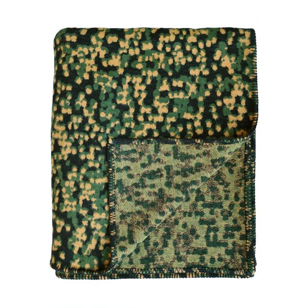 Camo Throw Folded B ONE NINE EIGHT FIVE wesbite